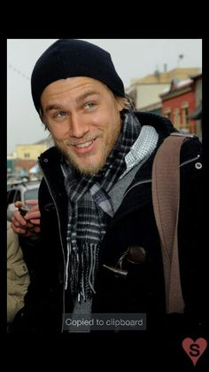 Flashback to the time Charlie Hunnam bundled up at the Sundance Film Festival and couldn't have been cuter! Check out some of his all-time hottest moments. Sons Of Anarchy, Jax Teller, Mae West, Man Look, Ricardo Baldin, Charlie Hunnam Soa, Sundance Film Festival, Star Wars, Raining Men