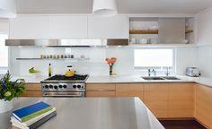 Gestalten Sie Ihre Küche mit wunderschöner Glasrückwand. Den kreativen Ideen bei einer Glasrückwand in der Küche sind hier keine Grenzen gesetzt. Die Spritzer von Fett und Wasser erfordern ein langlebiges Material zum Schutz der Küchenrückwand. In der kombination mir unserem Arbetisplatten Rabatt von 20% und erhalten Sie 1A Qualität zu kleinen Preisen. Unsere Aktion dauert vom 15.Septembar - 15.Oktobar 2014