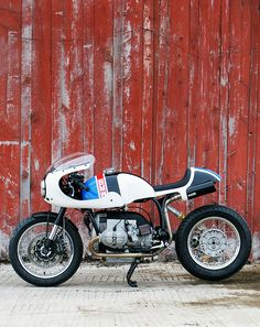 White Hot: Union's track-inspired BMW Bmw Cafe Racer, Cafe Racers, Custom Cafe Racer, Bike Bmw, Cafe Bike, Racing Motorcycles, Vintage Bikes, Vintage Motorcycles, Custom Motorcycles