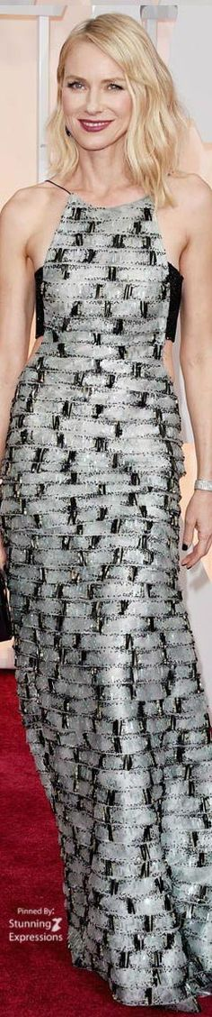 Naomi Watts stands out on the red carpet in this contrast print gown by Armani Privé. Naomi Watts, Celebrity Red Carpet, Celebrity Style, Star Fashion, Runway Fashion, Female Fashion, Beautiful Dresses, Nice Dresses, Printed Gowns