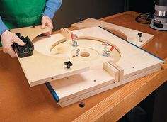 Router table fence storage woodsmith tips wood working projects woodworking project plans from the editors of woodsmith magazine greentooth Gallery