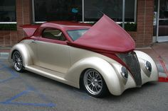Custom Car, Pismo Beach, California by spixpix, via Flickr