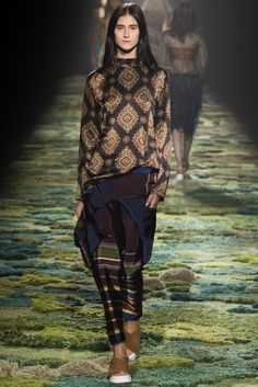 Dries Van Noten Spring 2015 Ready-to-Wear - Collection - Gallery - Look 1 - Style.com
