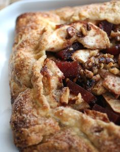 Open-Faced Apple Galette with Quince Paste. An Autumn Apple Treat Fruit Recipes, Apple Recipes, Cooking Recipes, Healthy Recipes, Sweet Pie, Sweet Tarts, Pie Dessert, Eat Dessert First, Quince Recipes