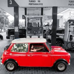 Cars And Coffee, S Car, Small Cars, Car Girls, Corner Designs, Classic Mini, Out Of Style, Supercar, Sport Cars