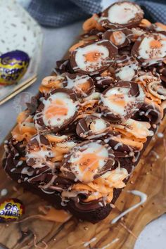 Creme Egg Loaf Cake! - Jane's Patisserie Cookie Dough Recipes, Edible Cookie Dough, Baking Recipes, Cake Recipes, Mini Eggs Cake, Mini Loaf Cakes, Patisserie Cake, Janes Patisserie, Chocolate Raspberry Brownies