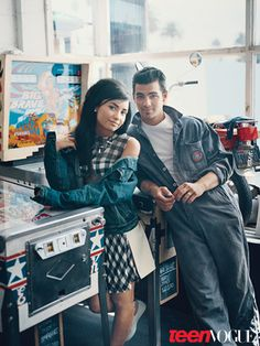Demi Lovato Joe Jonas 60s inspired