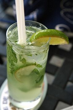 The Mojito: Your Guilt-Free Weekend Cocktail. YUM!!