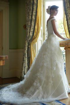 24 Fantastic Wedding Dresses For Your Fantastic Entertainment