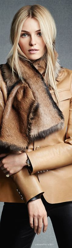 Ralph Lauren Black Label Scarves are HUGE this year Ralph Lauren Style, Ralph Lauren Black Label, Look Fashion, Womens Fashion, Corte Y Color, Bobe, Moda Chic, Look Vintage, Casual Chic