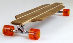 Tallboy – S « Hand crafted from recycled oak by the guys at Loki Longboards