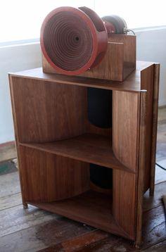 One-off Shindo Labs design Pro Audio Speakers, Horn Speakers, Diy Speakers, Built In Speakers, Hifi Audio, Audio Rack, Speaker Design, High End Audio, Sound Design