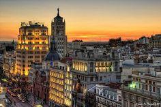 Anochecer en la calle de Alcalá