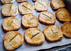 reteta crackers cu parmezan si rozmarin preparare coacere Healthy Tips, Healthy Recipes, Quiche, Parmezan, Biscuits, Bacon, Muffin, Appetizers, Food And Drink