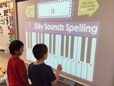 have students develop reading/writing literacy while working on digital fluency (Silly Sounds Spelling! EDITABLE so you can use your own words. The kids LOVE this! 1st Grade Spelling, Spelling Centers, Spelling Games, Spelling Activities, Spelling Words, Literacy Activities, Spelling Homework, Smart Board Activities, Smart Board Lessons