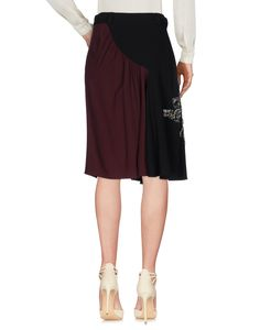 Prada Women Knee Length Skirt on YOOX. The best online selection of Knee Length Skirts Prada. YOOX exclusive items of Italian and international designers - Secure payment...