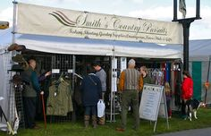 I want to go here.If you find yourself surrounded by beautiful, well-behaved dogs, men and women smartly dressed in tweed and wellies, cider and ales, guns, and birds of prey, you are either: out hunting, or at a country show!