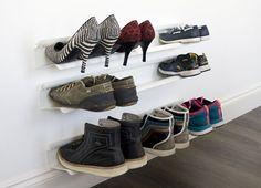 jedna police 70 x 14 x 9 cm na asi 4 páry bot, za 1489 Kč); Bonami CZ