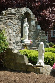 Grotto at St. Bernadette of Lourdes School