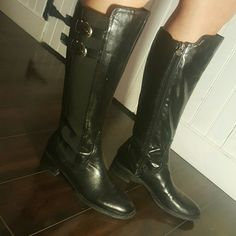 Leather elastic boots Super stylish. Zipper on the left side has a slight kink but still works Etienne Aigner Shoes Winter & Rain Boots