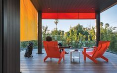 Experiencing déjà vu? Fans of Santa Monica–basedMinarc will recognize the firm's imprint on this Los Angeles residence, owned by a ...