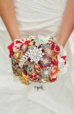 My wedding brooch bouquet of memories. Family and friends gave me brooches for me to make my wedding bouquet. Such an beautiful creation that is a reminder of the most unforgettable day of my life, my wedding. hjelzas