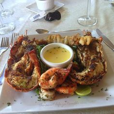Delicious Caribbean food shrimp and lobster photography Source: the-sweet-life-ja)