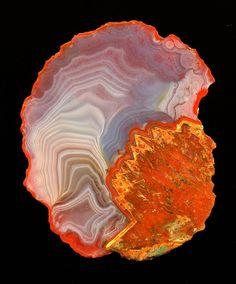 Dietrich Mayer Agate Collectors Worldwide Karrenberg Quarry near Freisen, Germany, with pseudomorph, 6,5x5cm.