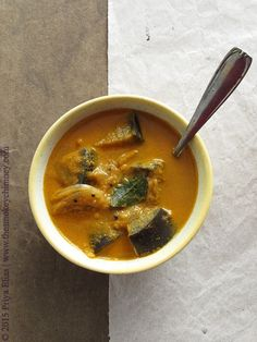 The Smokey Chimney: Badanekayi Koddel: Aubergines in a Sweet, Spicy and Tangy Gravy