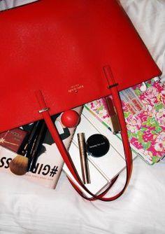 6 Travel Bag Essentials