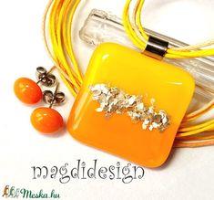 Ezüstpelyhes sárgák üvegékszer szett, nyaklánc, pötty fülbevaló - Meska.hu Personalized Items