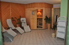 Unser kleiner, feiner Saunabereich Sauna, Divider, Room, Furniture, Home Decor, Small Hotels, Bedroom, Decoration Home, Room Decor