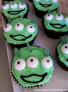 space birthday party alien cupcakes