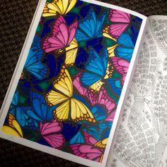 """14 kedvelés, 1 hozzászólás – Coloring Therapy (@didicoulor) Instagram-hozzászólása: """"#butterfly #stabilopen68 #colorpencils"""""""