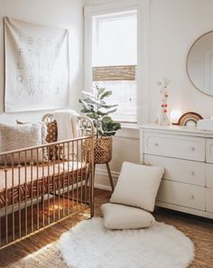 10 best Boho Nurseries to inspire you! - We have collected the best 10 Boho nurseries to show the fabric, furniture, and accessories to use in the nursery. Source by wolkenmiti - Boho Nursery, Nursery Neutral, Nursery Room, Apartment Nursery, Natural Nursery, Neutral Nurseries, Vintage Nursery, Elephant Nursery, Natural Baby