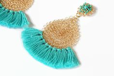 Wire fringe earrings turquoise blue and gold colored. These chic tassel earrings are crocheted by hand with a tiny crochet hook and fine wire. Fringe Earrings, Blue Earrings, Etsy Earrings, Dangle Earrings, Crochet Earrings, Bohemian Jewelry, Wire Jewelry, Jewelery, Wire Crochet