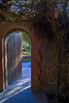 agoodthinghappened:  Doorway to Secret Garden by crebra64 on Flickr.