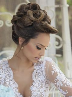 www.weddbook.com everything about wedding ♥  Beautiful wedding updo hairstyle and wedding makeup #weddbook #wedding #hair #makeup #bride