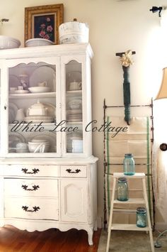 This would look so nice in a large bathroom for storage!