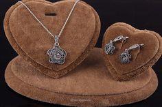 Crystal Rose Flower Vintage Jewelry Set - Jewellery set - www.taccitygoods.com - 2 https://www.taccitygoods.com/products/crystal-rose-flower-vintage-jewelry-set