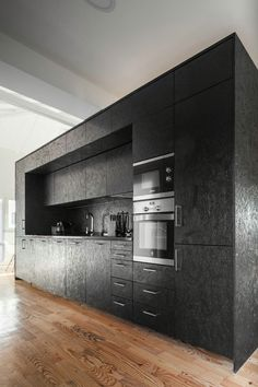 stainless steel fixtures upgrade this stained OSB construct, to newfangled potential. Investigate to see our innovative use of OSB in our own structures. Black Kitchens, Home Kitchens, Kitchen Black, Kitchen Box, Real Kitchen, Nice Kitchen, Awesome Kitchen, Kitchen Paint, Kitchen Ideas
