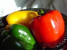 STOPLIGHT BELL PEPPERS | Bell peppers of all colors are a very good source of vitamin B5. My favorite are the red ones!