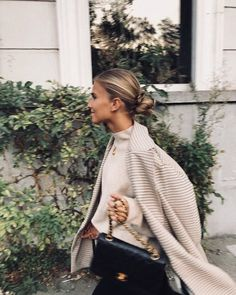 checkered blazer nude neutral minimal smart smart casual office attire city interview work ootd ootn dinner date sleek bun Chanel bag gcheckered blaze. Mode Outfits, Fall Outfits, Fashion Outfits, Fashion Tips, Fashion Trends, Fashion Quiz, Fashion Images, Fashion Styles, Looks Street Style