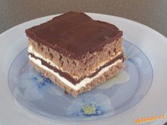 Řezy alá Kinder Pingui neskutečně žravé Pie Dessert, Cookie Desserts, Dessert Recipes, Cake Cookies, Tiramisu, Sweet Recipes, Sweet Tooth, Sweets, Homemade