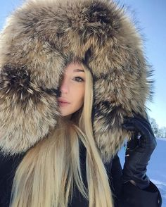 WEBSTA @ jelisa.bella - Lost my heart in the snowy mountains ❄️⛄️#welovefurs