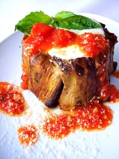 Mini Ricotta Eggplant Pasta Timbale -- 13 Authentic Sicilian Recipes You Need To Try : community table Gourmet Recipes, Mexican Food Recipes, Vegetarian Recipes, Cooking Recipes, Cooking Tips, Budget Cooking, Vegetarian Barbecue, Dishes Recipes, Oven Recipes