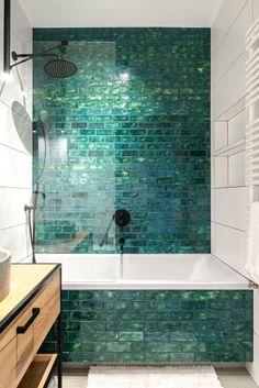 Dark Green Bathrooms, Green Bathroom Tiles, Tiled Walls In Bathroom, Bathroom Shower Tiles, Shower Accent Tile, Glass Tile Shower, Tiled Showers, Green Tiles, Bathtub Tile