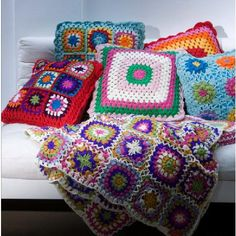 crochet! I really need someone to show me how to do this, I can only do basics, and Crochet for dummies got too complicated.