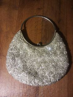 VINTAGE SILVER FULLY BEADED PURSE - METAL HANDLE - EXCELLENT CONDITION ce9e9c191ff