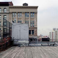 Manhattan terrace, NYC / photo by Julio López Saguar
